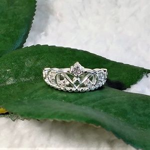 New Crown ring size 8
